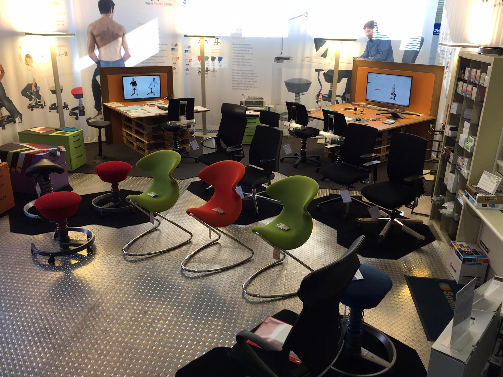 img 1983 b robedarf frankfurt ihr starker partner f r. Black Bedroom Furniture Sets. Home Design Ideas